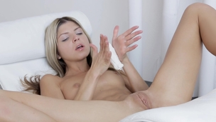 Litlle Gina Gerson exhibiting a resemblance pussy